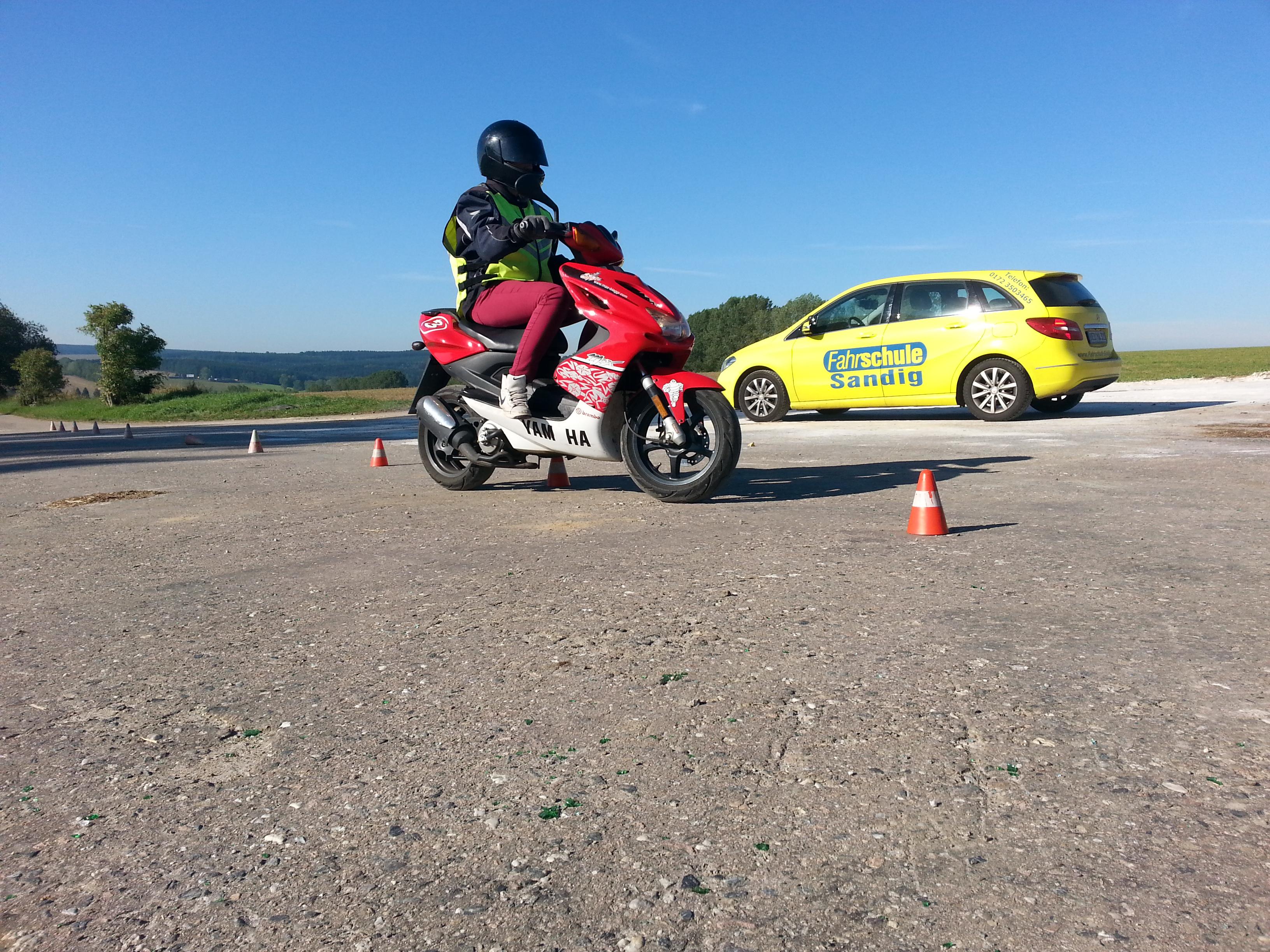 Modell AM ab 15 Jahre Fahrschule Sandig Brand-Erbisdorf Freiberg Moped Ausbildung Führerschein